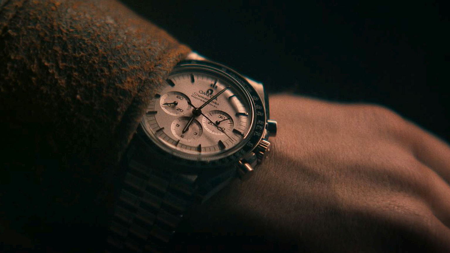 OMEGA Nick Jonas Speedmaster Moonwatch 310.60.42.50.02.001 CanopusG closeup1 low